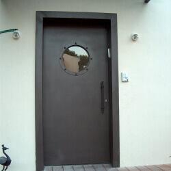 דלת 37