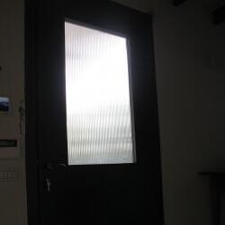 דלת 48