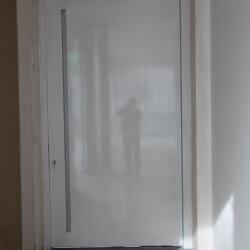 דלת 15