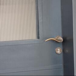דלת 46