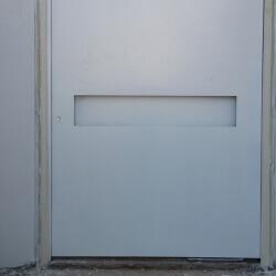 דלת 51