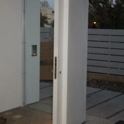 דלת 22