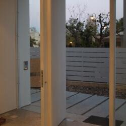דלת 21